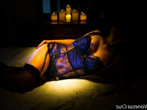 Maesha tantra massage in Weston